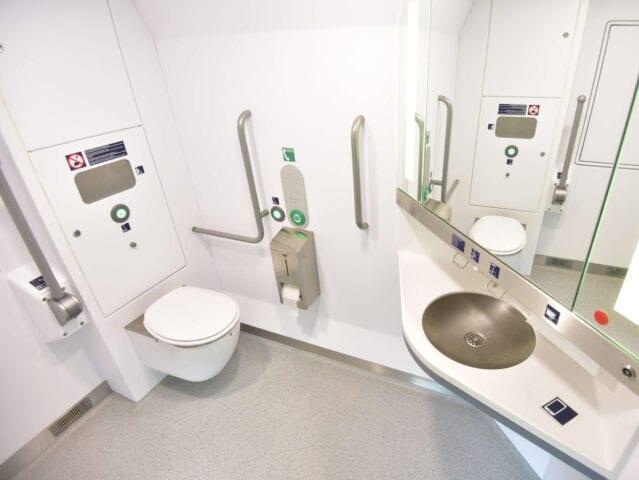 Der er gode toiletforhold i toget