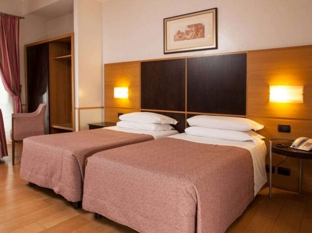 GrønRejs-hotel-piemonte-værelse1