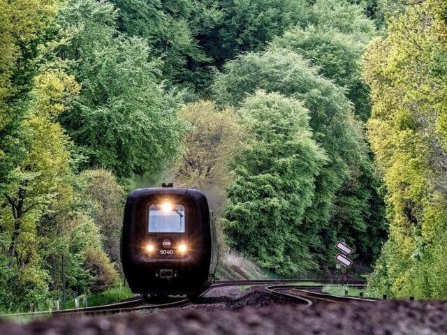 IC-toget kører over grænsen til Hamborg