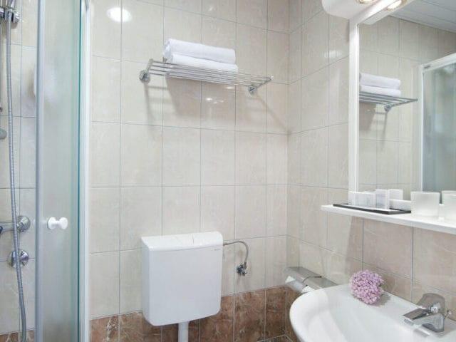 Hotellet har pæne badeværelser