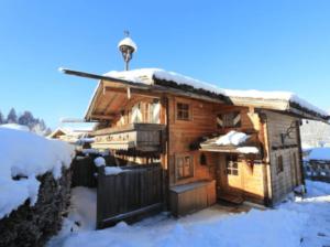 GrønRejs-skiferie-i-østrig-stjohann-hytte-chalet