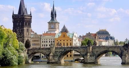 tur til Prag karlsbrogen